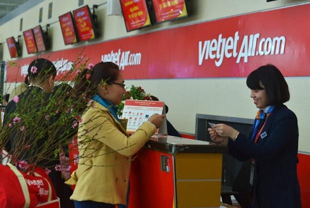 Vietjet có chính sách rõ ràng cho hành khách mang mai đào